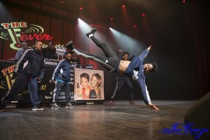 ForeverFreestyle9-4-300x200breakdancers